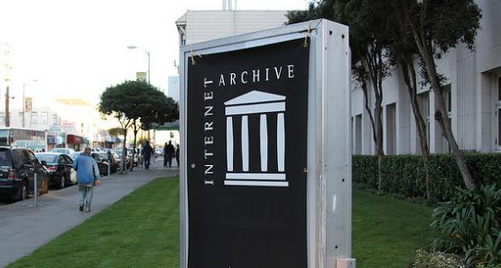 The Internet Archive [Photo: Tito Perez / Flickr CC]